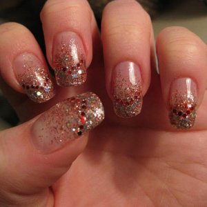 Natural tips with glitter