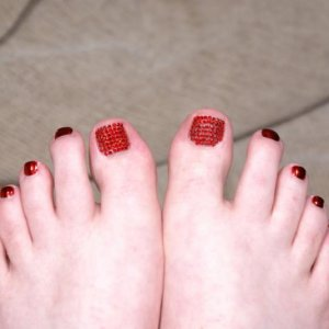 This is the first time I have used Minx.  I decided to try out the Minx on myself first and have a go at doing a Swarovski pedicure on myself.