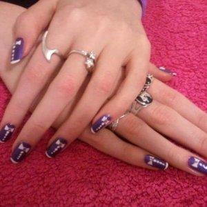 Tuxedo nail art Shellac on natural nails (Purple purple and cream puff)