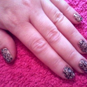 Leopard style shellac (Iced cappucino base, with blackpool and cocoa) on natural nails