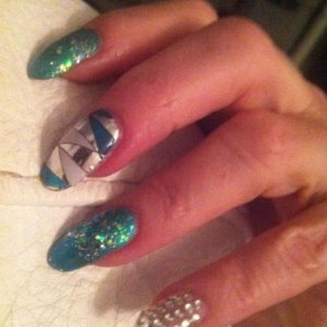 Minx & Glitz Green naja crystal fingers
