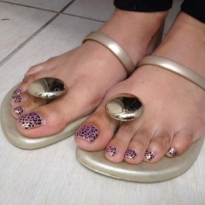 these are handpainted but everyone mistook them for Minx!