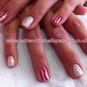 Shellac candy cane manicure