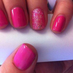 Hot Pop Pink Shellac w/ Rockstar ring finger