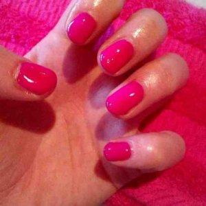 Hot pink gelicure