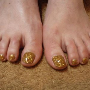 Rock Star Toes- looks fabulous in all colours!