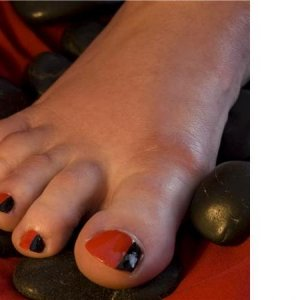 Black & Red Toes3