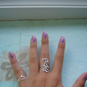 omg my nails are so pointy here rofl