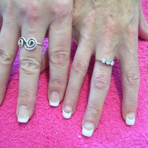 mary me comparison. She has REALLY small nail beds.  She is only a size 6 though!