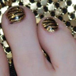 Gold Shellac Close up