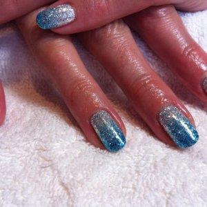 Blue glitter fades over Cream Puff x