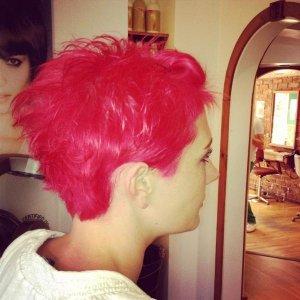 bek new hair