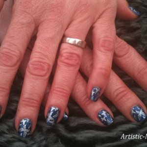 Gelish Wiggle fingers with stamping, Plate BM-307