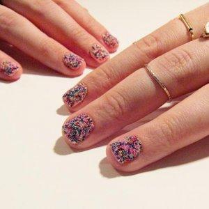 rad nails caviar manicure