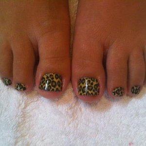 Cheetah on toes