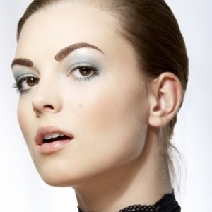Brow contouring with Precision Brows