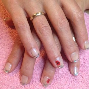 Gelish: Izzy wizzy & glitter & Remembrance nail art