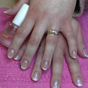 Gelish: Sweet Dreams & Sheek White &  Izzy Wizzy