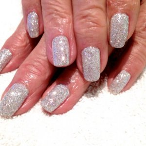 Shellac Negligee with Ice Queen glitter - really really beautiful - much better in the flesh