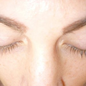 carlie's lashes before