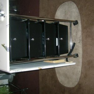 MOBILE NAIL TABLE FOLDED DOWN 4 DRAWERS