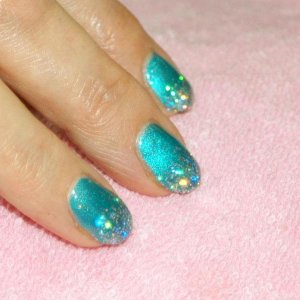 """glitter fade Shellac in """"Hotski to Tchotchke"""" with the new """"Sparkling Silver"""" Twinkle Additive."""