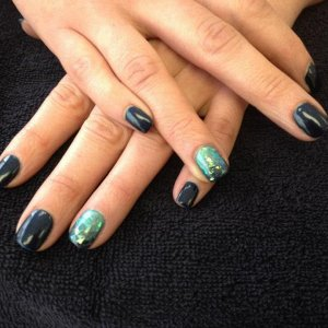 shellac with additives and glitter