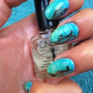 bubble nails using shellac, additives dsperse drops and foil