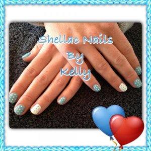 Loving the Blue & White Shellac Polkadots.