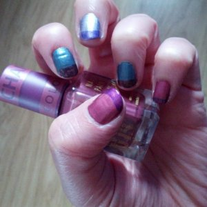 Colour changing polish.