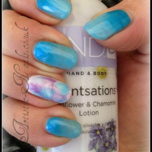 shellac in Azure Wish ombre