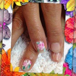 Gelish: Sweet dreams one stroke nail art