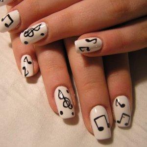 Natural acrylic / paint nail art music notes