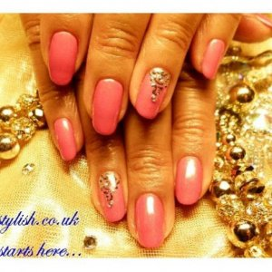 Gelish manicure with gold design