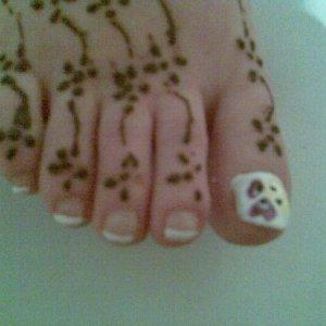 Bevs toe nails