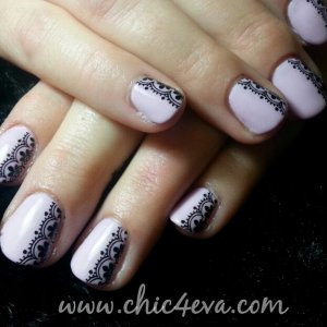 Shellac cake pop Black lace nails