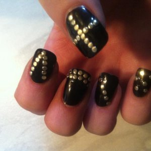CND Shellac Blackpool with Gold Studs