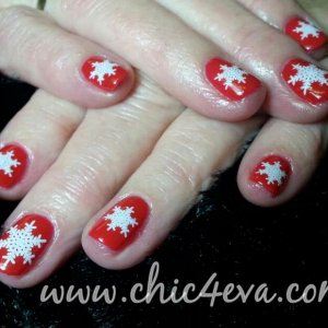 Shellac wildfire white snowflake nails