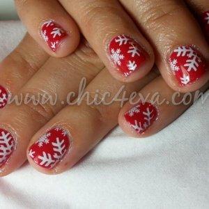 Shellac Hollywood white snowflake nails