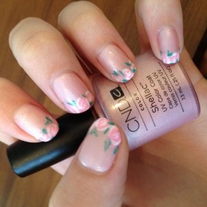 Rosebuds using CND Shellac in Strawberry Smoothie