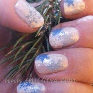 snowflakes on snow shellac nails