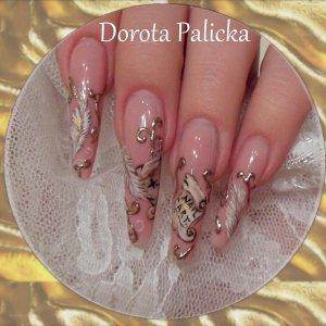 Dorota Palicka free hand nail art