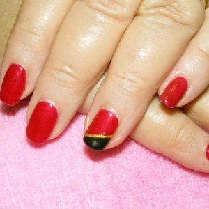Shellac in Red Baroness with diagonal french in Blackpool and gold gel.