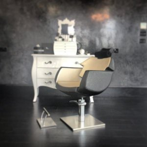 HD Brows work station and treatment chair