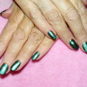 """Shellac in """"Overtly Onyx"""" with new additive """"Desert Chameleon"""""""