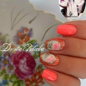 Porcelain effect nail art