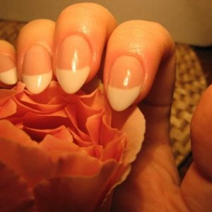 I fell in love with 'almond' shaped nails and custom blending.