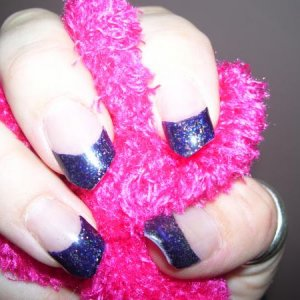 blue sparkle revised - I had a little accident with the corners of two of my nails (not enough L&P I think!), so instead of repairing them I shaved off all the corners!