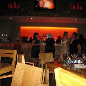 Propping up the bar   Minkus (Amb), Adele, Bagpuss (Angie) & Valencian Nails (Sandi)