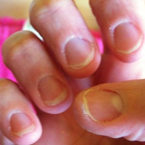 tracy nails 30 october 2008 002 (2)